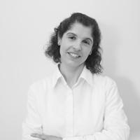Ivone Oliveira -Tradutora